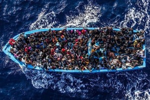 African-migrants-boat-to-Europe-620x412