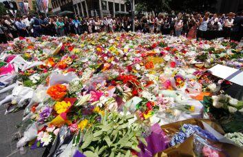 Siege-floral-tributes