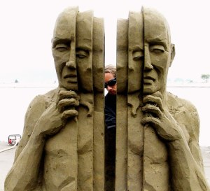 World-Championships-of-Sand-Sculpting-Inner-Self-Crack-open-your-outter-shell